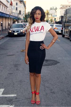 Black Pencil Bebe Skirts, White Nwa Urban Outfitters Ts, Shirts ...