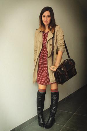 Black Boots Brick Red Dresses Tan Coats Heather Gray