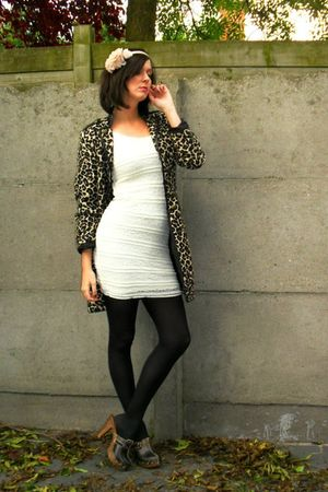 Brown Coats White Dresses Black Tights Browns Quot I D