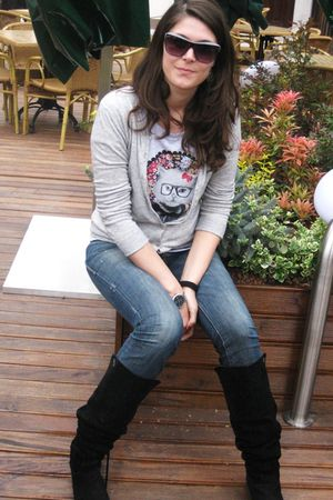 Black zara boots blue only jeans silver stradivarius ts for Silver jeans t shirts