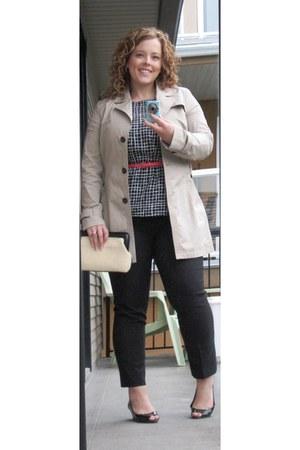 Banana Republic Coats Shoes Liz Claiborne Purses Smart