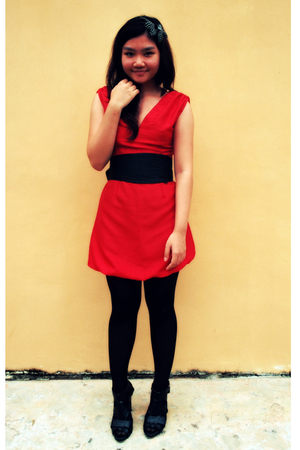 how to wear dress with stockings