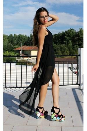 Dress black wedges