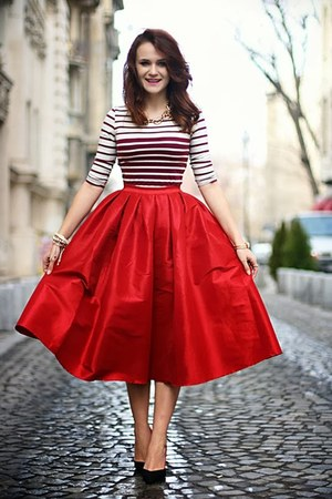 Red Midi Choies Skirts, Black Pointy Zara Shoes, Crimson Cropped ...