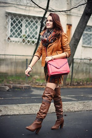 Dark Brown Over The Knee Stradivarius Boots Brick Red