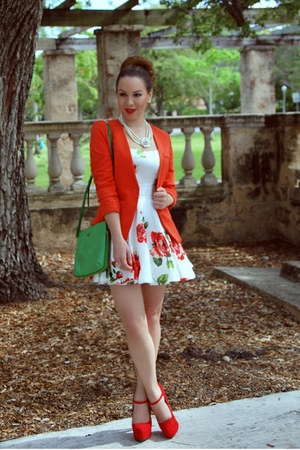 Office Chic Fashion Bloggers