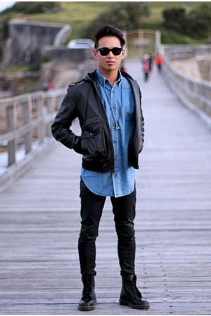 http://assets0.chictopia.com/photos/Chou_Chou/3815468288/black-black-leather-dr-martens-boots-black-black-denim-nudies-jeans.jpg