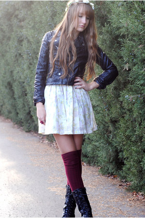black combat forever 21 boots white floral hampm dresses