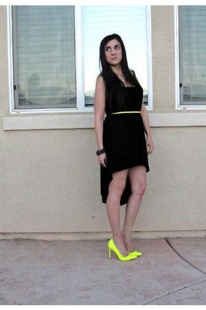 Light Yellow Shoemint Heels, Black Dresses, Light Yellow Belts ...