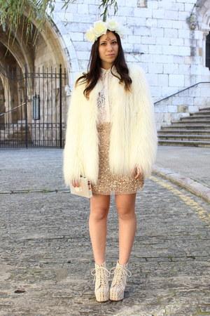 White Jeffrey Campbell Boots White Faux Fur Zara Coats