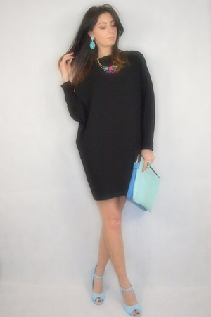 pics for gt black dress with light blue shoes