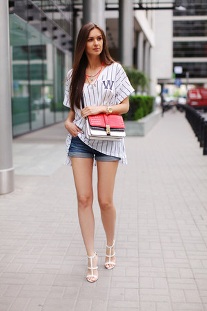 White H Amp M Ts Shirts Red Zara Bags Blue Denim Shorts