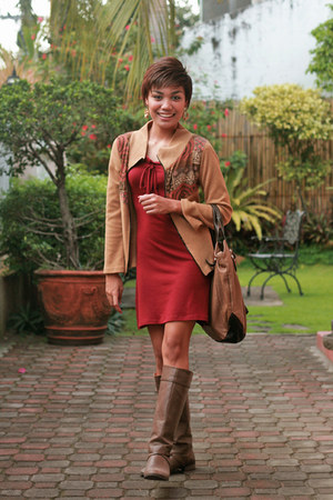 red dress tan boots
