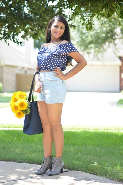 Sunny days call for Sunflowers