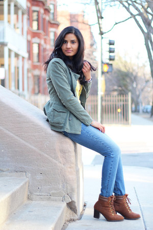 how to wear bootcut jeans with ankle boots