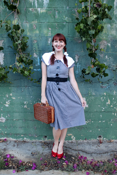 Dorothy Costume From Your Closet