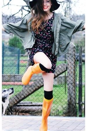 Orange Rain Hegos Boots Black H Amp M Hats Romwe Jackets