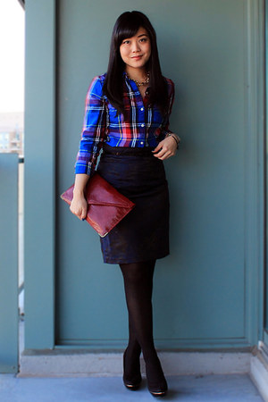Blue flannel old navy shirts brick red clutch forever 21 for Navy blue and red flannel shirt