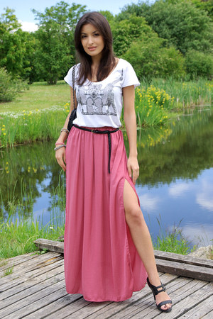 Salmon maxi skirt zara skirts black cara sandals white for What color shirt goes with a purple skirt