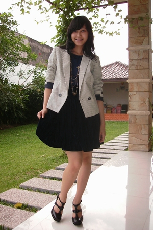 Blue Vintage Dresses White Mango Blazers Black Topshop