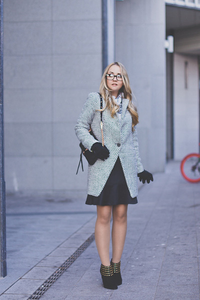 Smart chic - plaid coat
