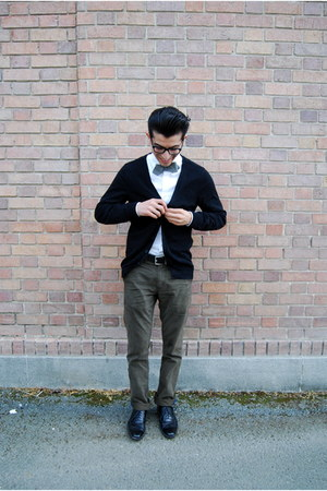 Menu0026#39;s J Crew Ties Black Steve Madden Shoes White Express Shirts Black Hu0026M Cardigans | u0026quot;Every ...