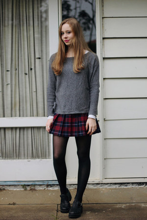 Maroon American Apparel Skirts Black Lipstik Shoes
