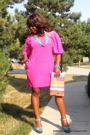 pink color block dress, turquoise necklace, wedges, cognac leather satchel.