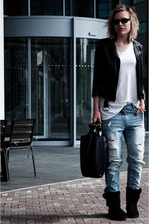 Black Ugg Boots Light Blue Zara Jeans Black H Amp M Jackets