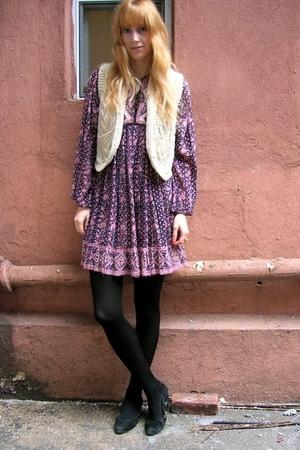 Purple Vintage Dresses White Vintage Vests Black Tights