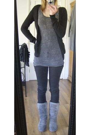 Gray H&M Divided Dresses, Black Edc By Esprit Pants, Gray UGGs Boots, Black H&Ms |