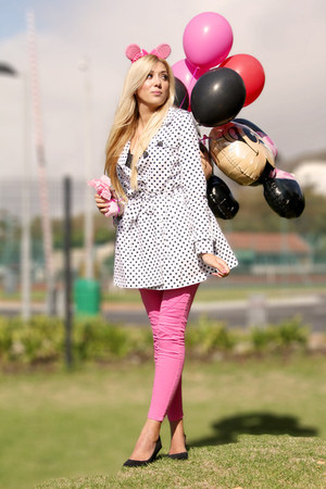 """Hot Pink Zara Jeans 