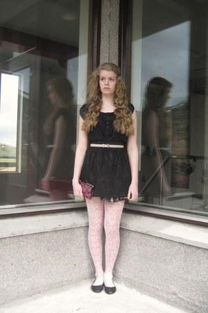 Tights Black Poofy Skirts Belts Black Tops Black