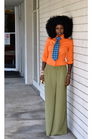 Carrot orange moda shirts olive green palazzo pants i for What color shirt goes with green pants