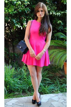 Hot Pink Zara Dresses, Black Chanel Bags, Black Yves Saint Laurent ...