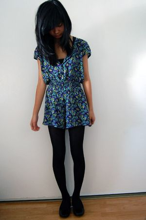 blue target jumpers black tights black shoes quot the