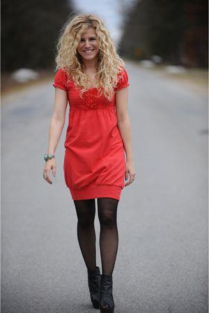 Red Kensie Dresses Black American Apparel Tights Black