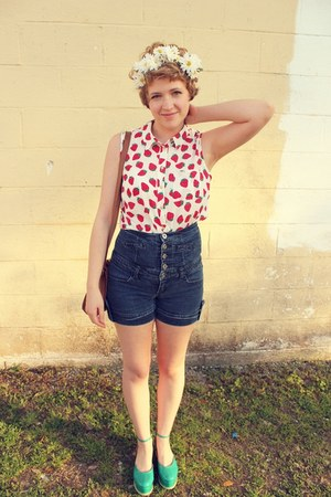 Strawberry Blouse & DIY Hair Crown