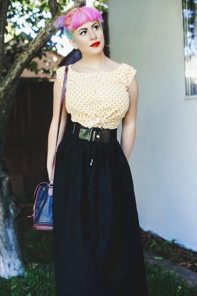 Light florals & Maxi skirt
