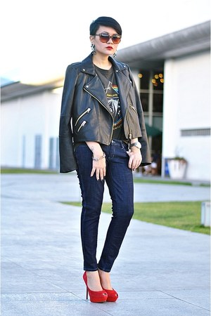 Black Faux Leather Jackets, Navy Skinny Wrangler Jeans ...