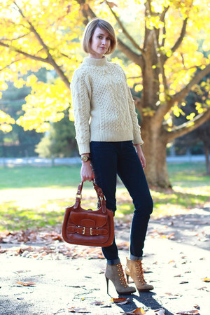 Ivory Vintage Sweaters Olive Green Laces Up Ankle Tory