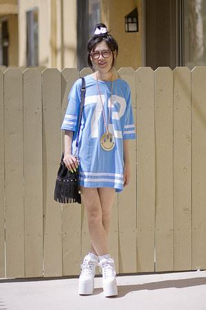 sky blue topshop tops white yru shoes black akira