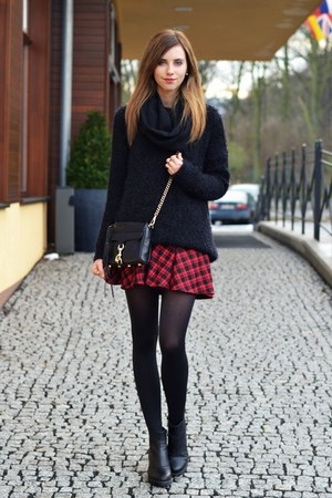 Crimson rowme skirts black urban outfitters sweaters for Plaid ampm