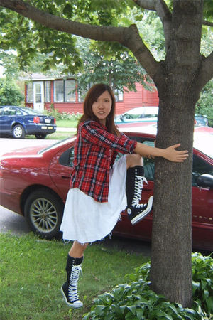 Red Gap Shirts White From Japan Dresses Black Converse