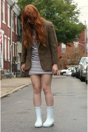 Brown Tweed Vintage Blazers White Rain Tretorn Boots