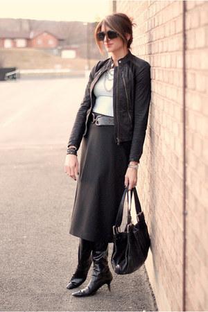 black skirts black jackets light blue shirts quot it