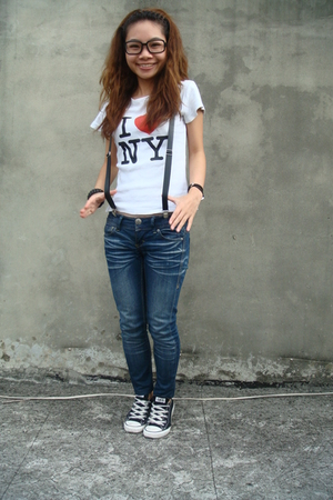 White Ts Shirts Blue Jeans Black Converse Shoes Blacks