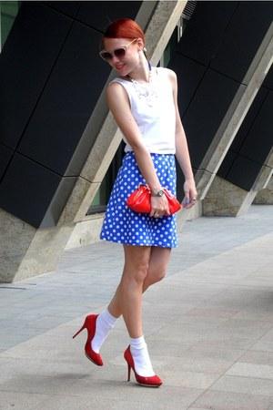 девушка в голубых носочках фото