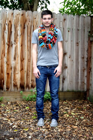 Men S Heather Gray Urban Outfitters Ts Shirts Heather