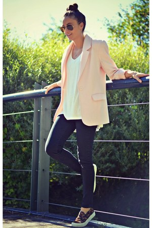 Black Skinny Levis Jeans Brown Aldo Sneakers Quot Pretty In